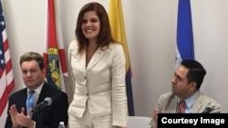 La vicepresidenta de Perú, Mercedes Aráoz, durante una conferencia en la Universidad Ana G. Méndez, en Miami.