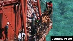 Grupo de Balseros que llegaron al Faro American Shoals en los cayos de la Florida