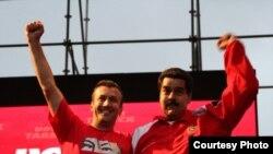 Tareck El Aissami junto a Maduro