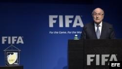 Blatter anuncia su dimisión y un congreso extraordinario.