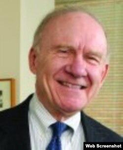 John E. Nolan, abogado negociador de prisioneros captruados durante invasión de Bahía de Cochinos, Cuba