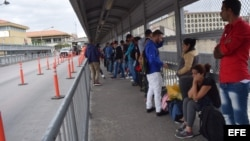 Cubanos bloqueados en la frontera de EEUU con Nuevo Laredo, México.