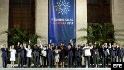 Los presidentes y jefes de estado asistentes a la II Cumbre de la Comunidad de Estados Latinoamericanos y Caribeños (Celac).
