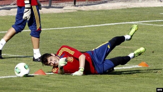 Iker Casillas ante un nuevo debate