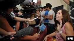 Mariela Castro responde preguntas a periodistas durante una conferencia de prensa en La Habana. Foto Archivo.