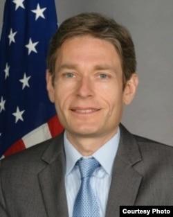 Tom Malinowski, secretario adjunto de Estado para la Democracia, los Derechos Humanos y el Trabajo.