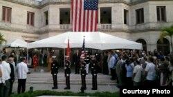 Celebración del 4 de julio de 2015 en la casa del jefe de la misión de EE.UU, en La Habana (A.C. San Martín)