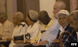 Ancianos de más de 100 años en un Encuentro Internacional de Centenarios.