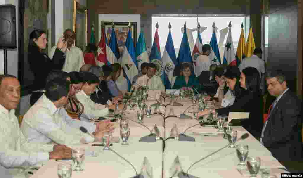Reunión de cancilleres del SICA en El Salvador.