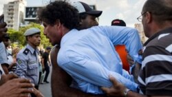 Régimen cubano acosa a periodistas en desafío a llamado a respetar libertad de prensa