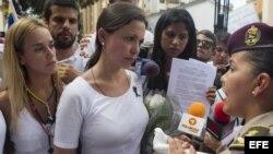 Mujeres de Blanco marchan pacíficamente en Caracas