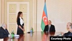 Ilham Ailev nombra a su esposa Mehriban Alieva.