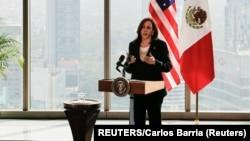 Vicepresidenta estadounidense, Kamala Harris en México el 8 de junio de 2021. (Carlos Barria / Reuters).