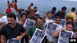 Disidentes rinden homenaje en Cuba a víctimas del Remolcador 13 de Marzo.