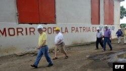 Visita a un central azucarero en Cuba de la delegación de EEUU