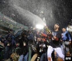 Los Medias Rojas de Boston celebran por todo lo alto...