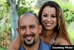 Krystil Kincaid con su esposo. La madre de tres hijos murió al ser embestida su minivan por el auto del boxeador cubano Marcos Forestal