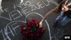 Jóvenes venezolanos rechazan acusaciones de Maduro
