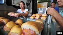 Cafetería de cuentapropistas en Cuba