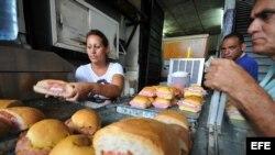 Cafetería de cuentapropistas en Cuba.