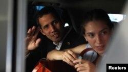 Juan Guaidó junto a su esposa Fabiana Rosales.