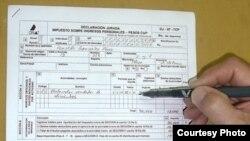 La Ley 113 aprobada en 2012 por la Asamblea Nacional de Cuba contempla 19 tipos de impuestos.