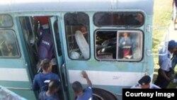 La policía da protección al equipo de Camagüey.
