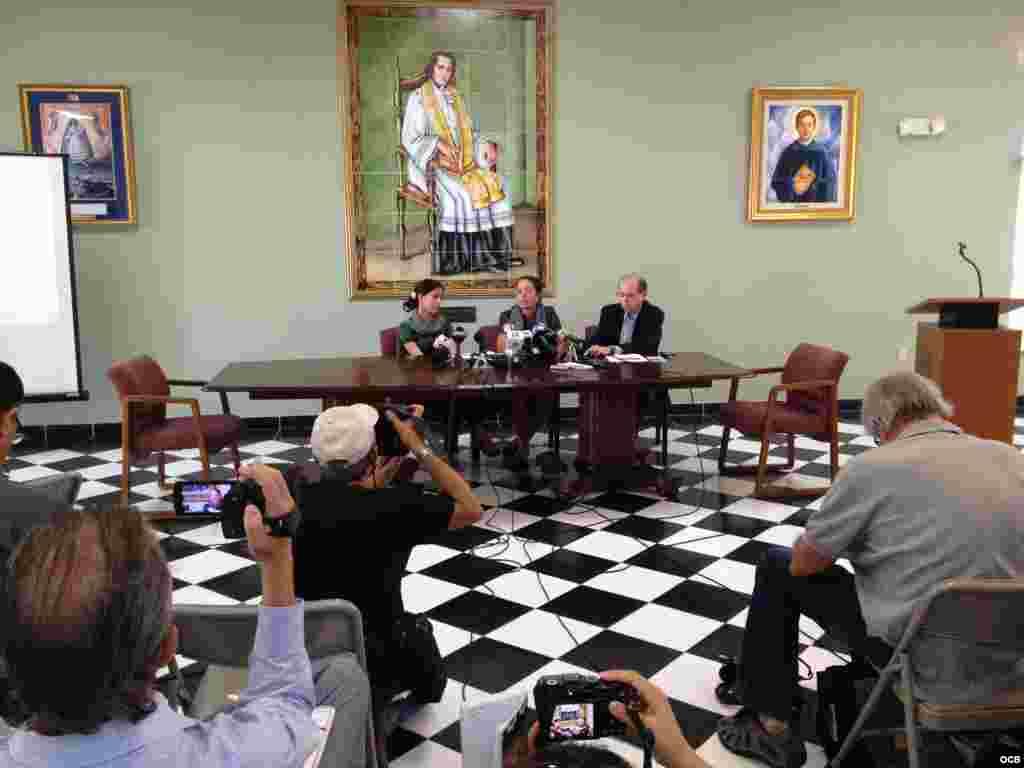 Conferencia de prensa de la familia Payá en Miami.