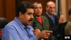El presidente venezolano, Nicolás Maduro. EFE. La oposición busca un referendo revocatorio, una enmienda constitucional para reducir a cuatro años el mandato presidencial, una Asamblea Constituyente, la declaratoria de abandono del cargo por incumplimiento de funciones e incluso la renuncia de Maduro