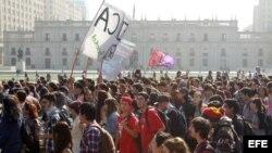 Estudiantes chilenos vuelven a la calle a manifestarse