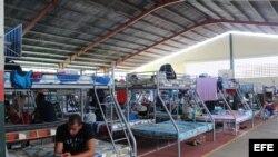 Cubanos indocumentados varados en la frontera de Panamá con Costa Rica. Foto de archivo.