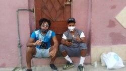 """Los raperos cubanos Denis Solís y Maykel """"El Osorbo"""". (Tomada de Facebook de Denis Solís)"""