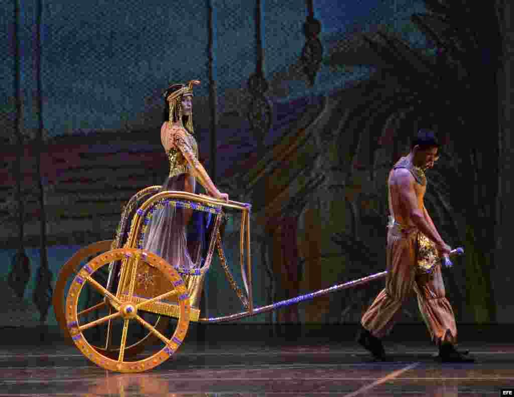 Siete de los ocho exmiembros del Ballet Nacional de Cuba que desertaron en Puerto Rico, debutaron en Miami (EE.UU.)