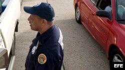 Fotografía de archivo de un agente de la Policía de Nueva Orleans.