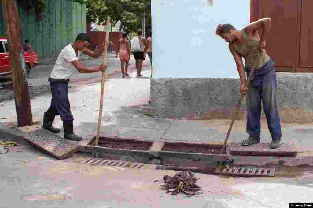 Preparativos en Santiago de Cuba. Foto Angélica Producciones