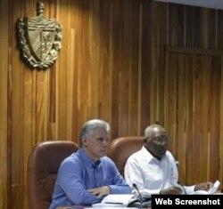 Díaz-Canel reúne a antiguo Consejo de Ministros heredado de Raúl Castro.