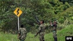 Foto de archivo de miembros de las FARC.