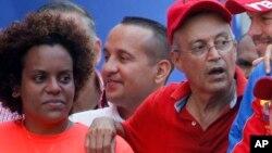 Luis Alfredo Motta (derecha) en una imagen de archivo. (AP/Ariana Cubillos)