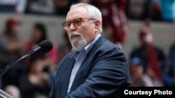 """Ramón Guillermo Aveledo dijo que la oposición libra frente al gobierno una """"campaña de la verdad contra la mentira""""."""