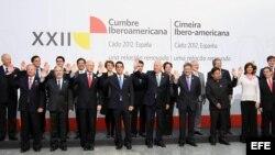 Foto de familia de los ministros de Exteriores que han asistido a la reunión de ministros de Relaciones Exteriores en la XXII Cumbre de Jefes de Estado y de Gobierno de Cádiz.