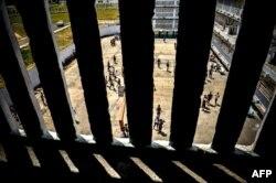 Vista desde una celda del patio del Combinado de Este, en La Habana.