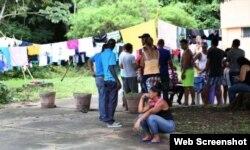 En la Pastoral Social hay 130 cubanos albergados, y 170 están en la iglesia de Santa Ana. (Foto La Estrella de Panamá)