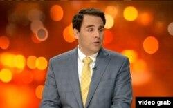 """El embajador de EE.UU. ante la OEA, Carlos Trujillo, en entrevista en el programa """"A fondo"""" de America Teve"""