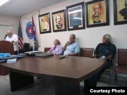 """presentación en Miami del libro """"Escambray... … La Muerte de la Esperanza, del Dr. Inoel Felipe-Rod."""