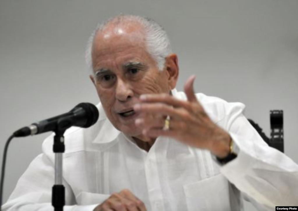 El economista cubanoamericano Carmelo Mesa Lago, Profesor Emérito de la Universidad de Pittsburgh (Foto: Archivo).