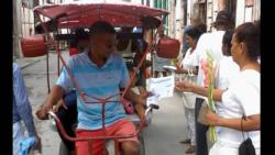 Damas de Blanco reparten informacíon sobre derechos humanos
