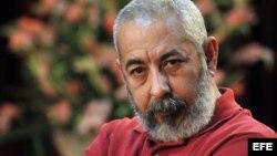 El escritor Leonardo Padura dijo que debe ponerse fin al secretismo oficial respecto a los destinos del país y los ciudadanos.