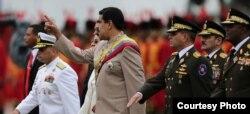 Nicolás Maduro con los jefes de las fuerzas armadas de Venezuela.
