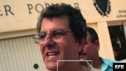 Oswaldo Paya entrega de firmas Proyecto Varela
