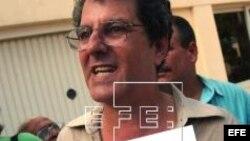 Oswaldo Paya entrega de firmas del Proyecto Varela